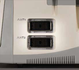 Két aktív fejcsatlakozó a fekete-fehér ultrahang készüléken